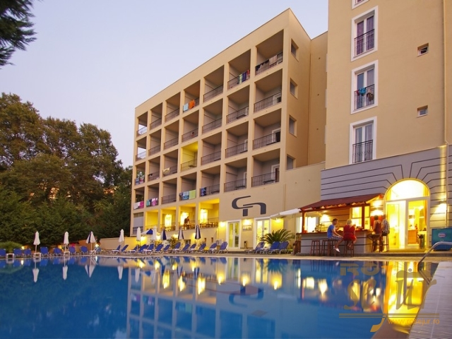 HOTEL HELLINIS 3*